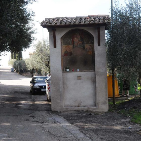 Montefalco - Montefalco, via del Verziere «Maestà del Verziere» [MON041]