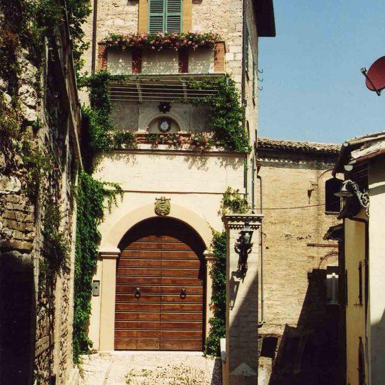 Trevi - Trevi, via C. Amici [TRE023]