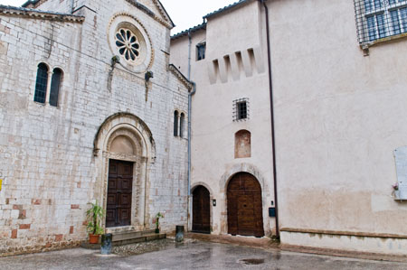 Trevi - Bovara, abbazia di San Pietro [TRE680]