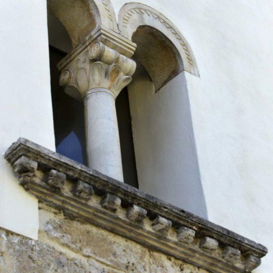 Foligno, Capodacqua, chiesa parrocchiale, particolare