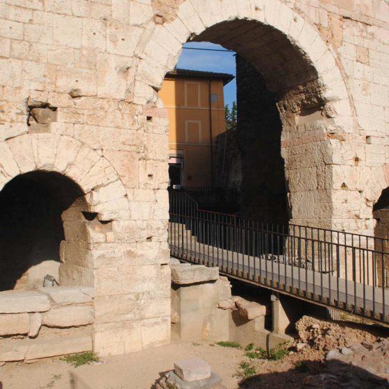 Spello, Porta Consolare (Hispellum)