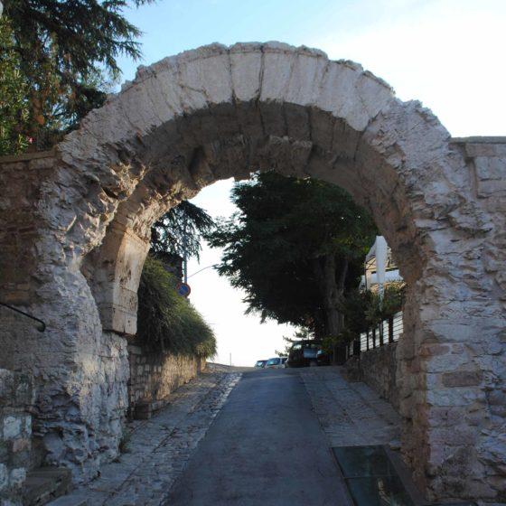 Spello, Porta dell'Arce (Hispellum)
