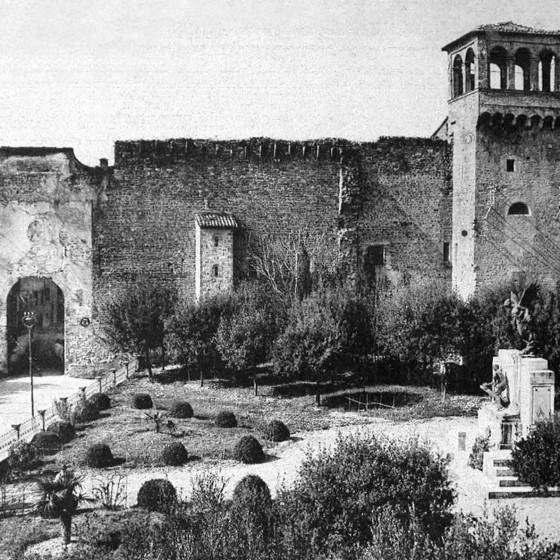 Bevagna, 'Porta Flaminia e parco della Rimembranza'
