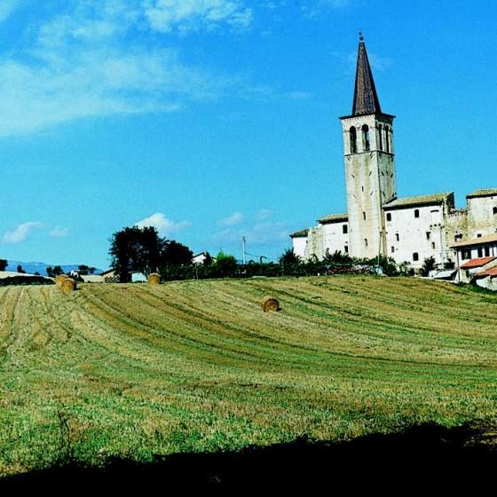 San Brizio, il castello e il campanile della pieve