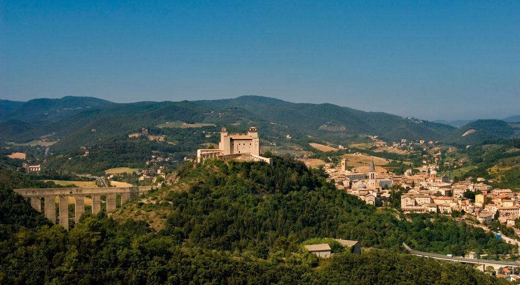 Spoleto, panorama - foto di Marco Baldovin (per il progetto 'Edicole sacre', archivio Comunità montana dei Monti Martani, Serano e Subasio)