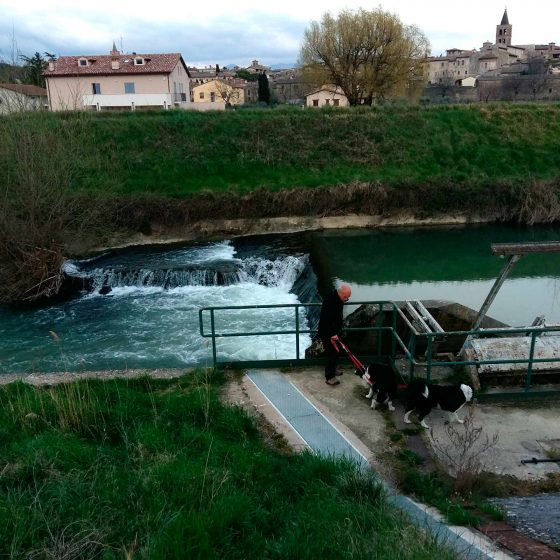 Bevagna, fiume Timia, opera di presa dell'ENEL