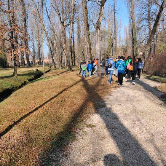 La Scuola Primaria di secondo grado di San Giacomo (classi III) iniziano il loro viaggio lungo il fiume Clitunno - Foto di Giampaolo Filippucci, Tiziana Ravagli