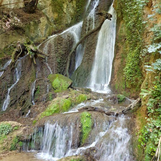 Le cascate a Pale [Didattica ambientale a Pale con l'Oratorio dei Santi Angeli Custodi di Trevi - Santa Maria in Valle]