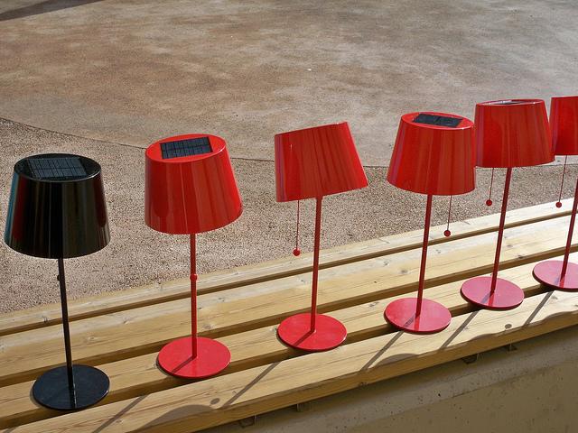 Energia - lampade fotovoltaiche, photo credit: RobertoGuido via photo pin cc