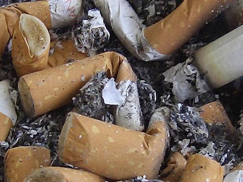 Mozziconi di sigarette - photo credit: p.s.v. via photopin cc