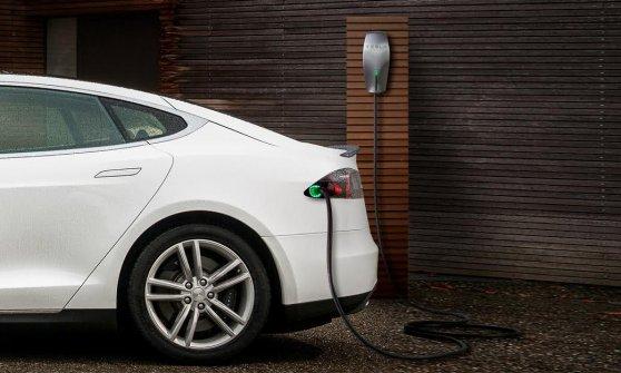 Tesla auto elettriche, da www.repubblica.it