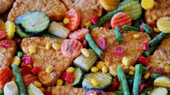 Alimenti surgelati [foto di Congerdesign, via Pixabay, CC0 Creative Commons, Libera per usi commerciali, Attribuzione non richiesta]